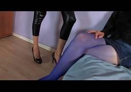 Amadoras peitudas de calça colada na webcam se divertindo