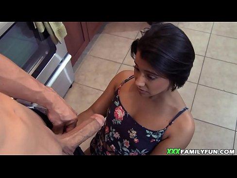 Latina que sabia fazer um boquete bem profissionalmente