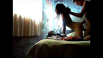 Porno caseiro tio enfiando a pica na sobrinha sozinha no barraco
