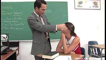 Aluninha querendo pica acabou dando pro professor