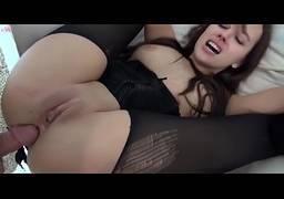 Sexo anal com uma putinha branquinha