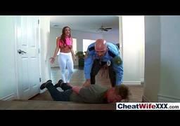 Esposa cometendo adultério com policial bem dotado