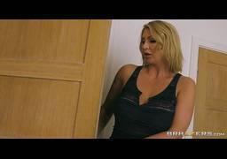 Video porno boa foda no cuzinho da loira adorou